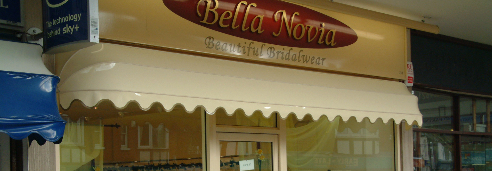 Shop Front Awnings & Canopies - Retail Awnings - Broadview